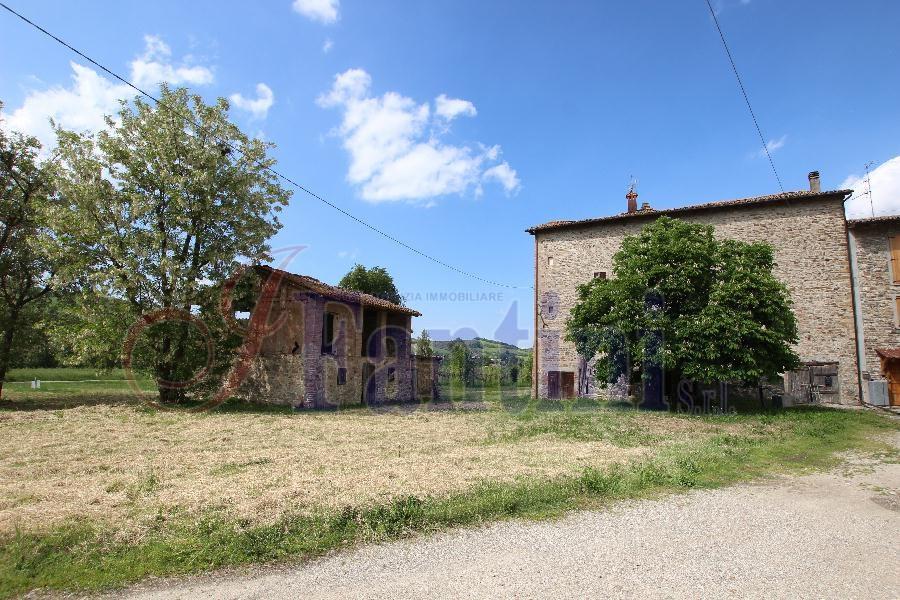 Monte San Pietro Vendesi Porzione Di Casa In Sasso E Fienile